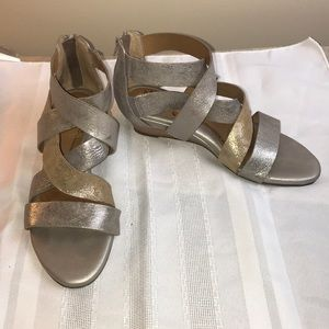 Sofft leather strappy sandal Sz 6